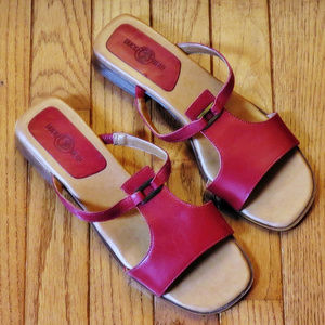 DUCK HEAD Red Leather Sandals - Size 8.5